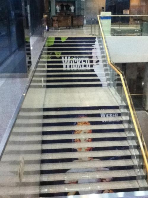 wickedestwitch:   Cool Wicked and Glinda Stairs! Wonder how they feel whenever they step on to this. haha!   FYI guys, The Wicked Australian Production are now touring Asia and they're currently in Seoul! Tonight will be their 1st preview and Tomorrow will be The Opening Night! :) Credit goes to @Wicked_Korea (Twitter)