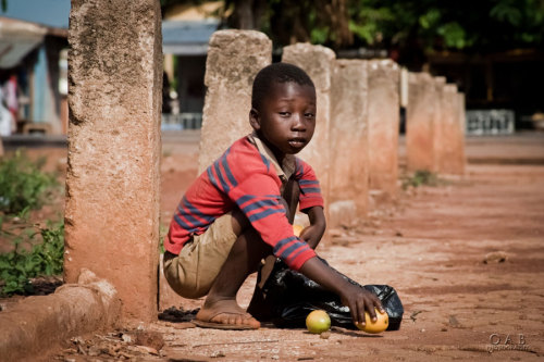 oabphotography:  During mango season in my village, i saw this kid who reminds so much of my childhood…