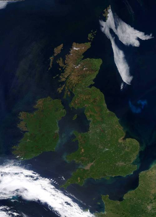 prostheticknowledge:  Rare Cloud-Free Satellite Image of the UK  Taken 26/05/12. Full resolution version can be found here  Previously in British Isles From Space: cloud free, 26th March (so, not quite that rare, eh?); snowed in, 7th January 2011.