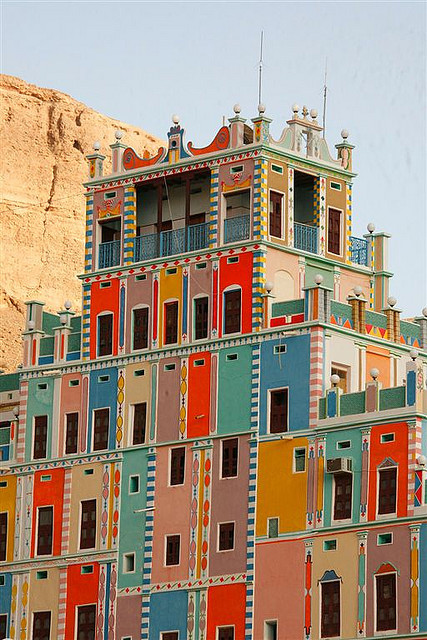 miss-mary-quite-contrary:  Buqshan hotel in Khaila - Yemen, Saudi Arabia (by Eric Lafforgue)