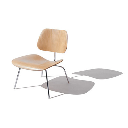 everlytrue:  [Eames Molded Lounge Chair]