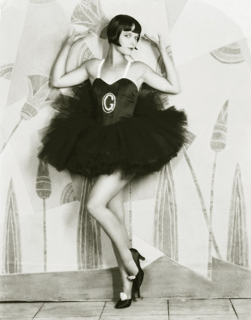 Eugene Robert Richee, Louise Brooks, 1927 on Flickr.  Click image for 804 x 1024 size. Found in killer bee sting