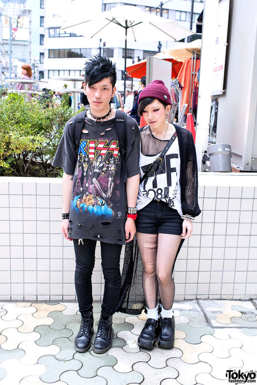 daneikamarch:  lets rock and roll in tokyo tokyo-fashion:  Punk-inspired Harajuku couple w/ lots of spike accessories, a ripped KISS t-shirt & torn stockings. She's wearing a bindi, which is trendy with the Bubbles Harajuku crew right now.