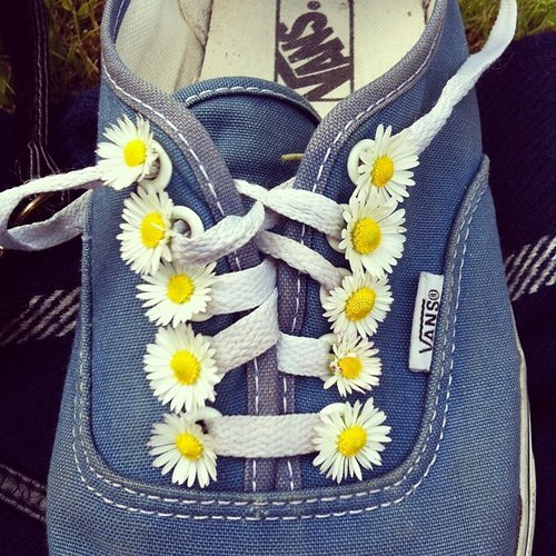 Cute craft #51: Throw a garden party on your feet. Yes, really.