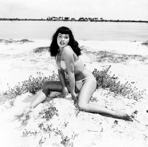 vintagegal:  Bettie Page photographed by Bunny Yeager c. 1954