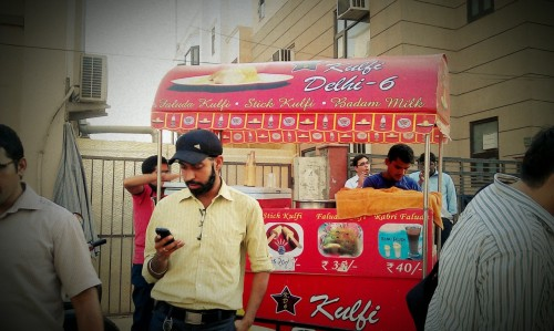 Kulfi - i can't explain what exactly kulfi is, but as what my indian colleague says, it's an acquired taste. In my response, i told him that if i were to puke tomorrow, it'd be his fault. Let's see what a bite or two of street food would do to me. Till then.