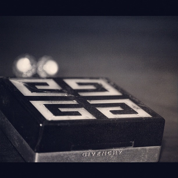 #makeup #powder #blackandwhite #BandW #white #black #earrings #givenchy  (Taken with instagram)