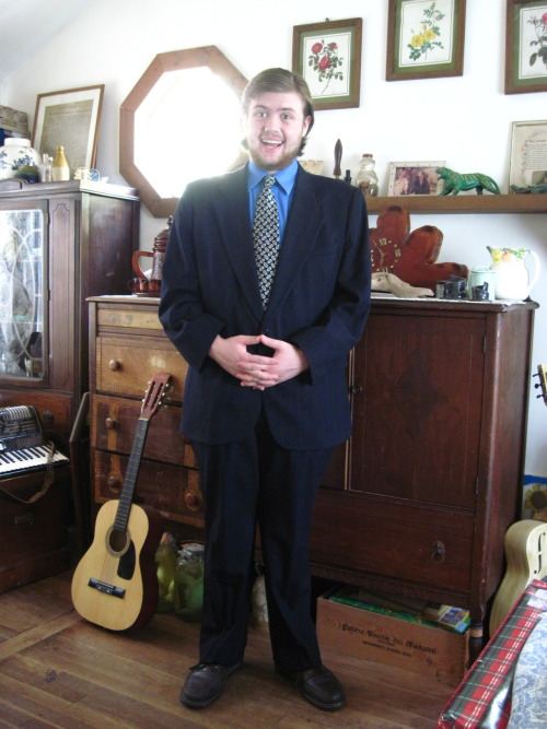 waylanlazarus:  GUYS I GOT A SUIT.  waylan you look sharp :D