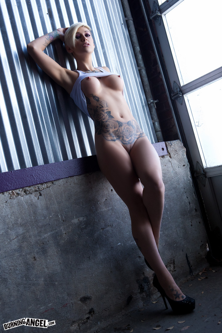 valpornerro:  kleiovalentien:  there is a new photo set up of my on @burningangel you should all go check it out and comment on it… it makes me happy!!http://www.burningangel.com/pics/1914/boobalicious   http://adfoc.us/448225938757  http://adfoc.us/448225938757