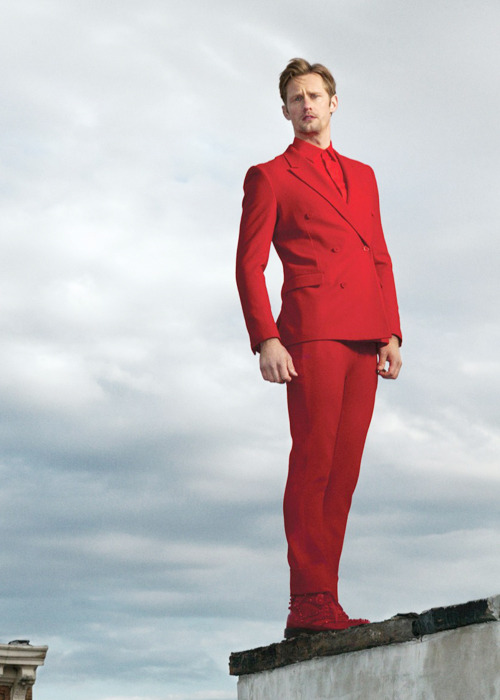 I want his red suit. …and him.