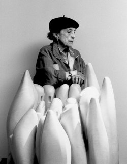 Love this photo of Louise Bourgeois via Centre Pompidou