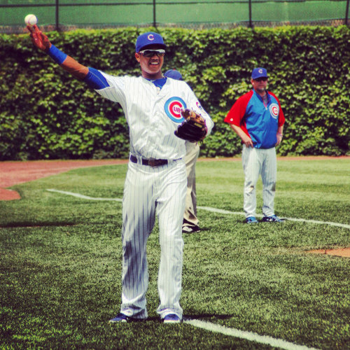 Starlin Castro warms up for the Cubs return trip back to Wrigley Field for Memorial Day. Don't forget to vote Starlin Castro for the 2012 MLB All-Star Game. http://atmlb.com/LI5Lhq