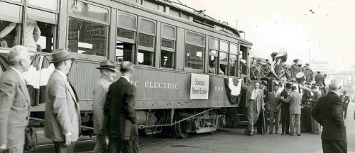 lacmtalibrary:  End of Pasadena Rails on Flickr. circa 1950 A Streetcar Named Expire. Pacific Electric Railway discontinues service in Pasadena.