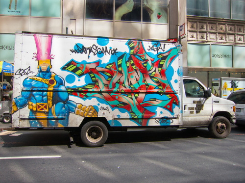 laughingsquid:  Cyclops X-Men Themed Graffiti on Truck in NYC