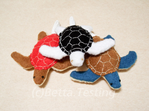 Sea Turtles Materials: Arctic fleece, polyester stuffing Dimensions for each: Length - 3 inches, width - 3.25 inches ————— Currently available in my Etsy shop! http://www.etsy.com/shop/BettaTesting These items are made to order! Please email me if you are interested :)