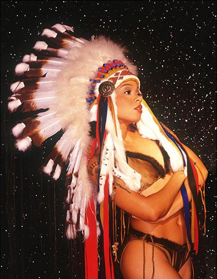 Lisa can make an Indian headress look so good. She made ANYTHING look good. :)