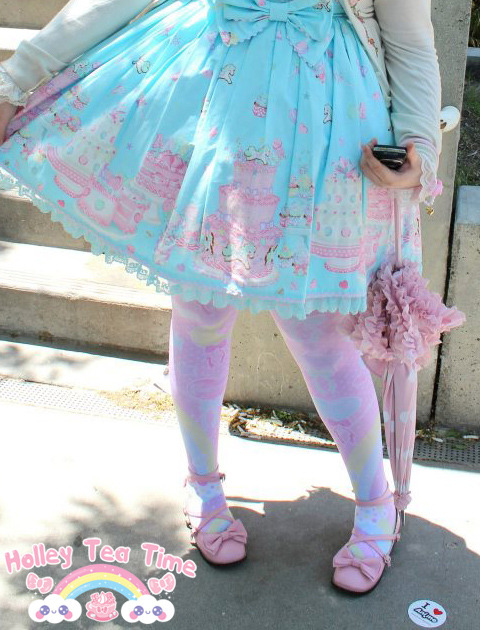 Picture of me wearing my pastel party tights from my shop :) Photo by the lovely and sweet Kaori Chan! More pictures coming soon ☆彡