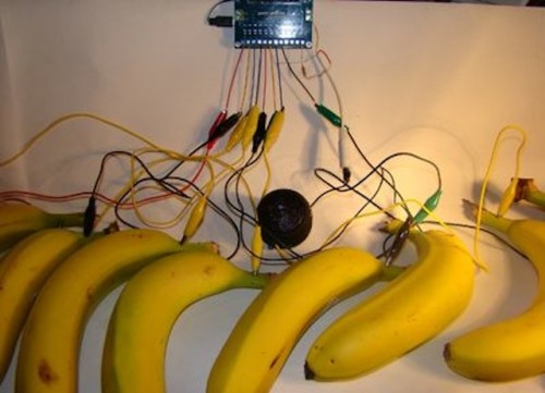 thecreatorsproject:  Here's how to turn a bunch of bananas into a synthesizer.  real rganic sound