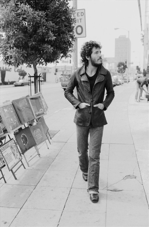 Read the story behind this rare photo of a young Bruce Springsteen at Cotton Candy Magazine®.