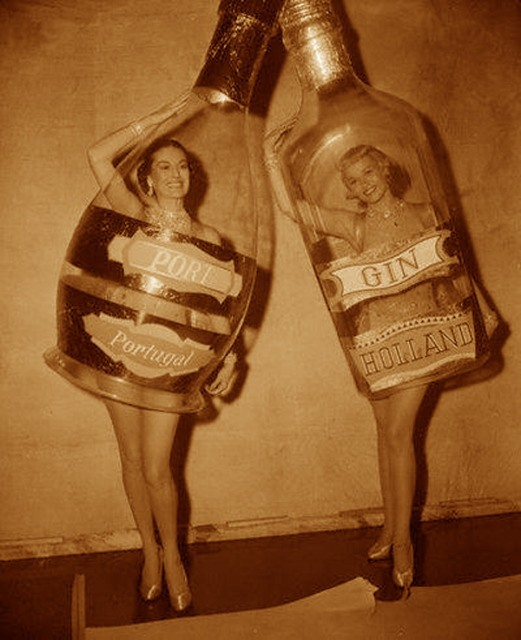 retrogasm:  Party girls…