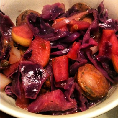 #red #cabbage #apples #chicken #sausage #lemon #juice #balsamic #vinegar #delish #grub (Taken with instagram)