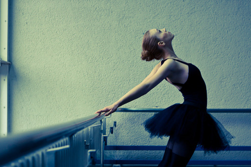 syncronize:  110115 Ballet-15 by Marco de Waal on Flickr.