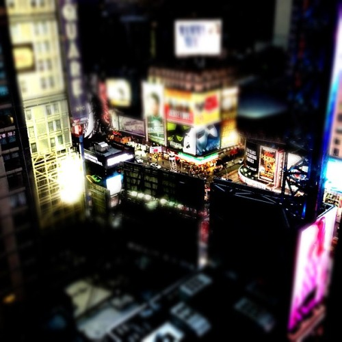 Times Square tiltshifted #iphone #miniaturecam #tiltshift #timessquare #nyc  (Taken with instagram)