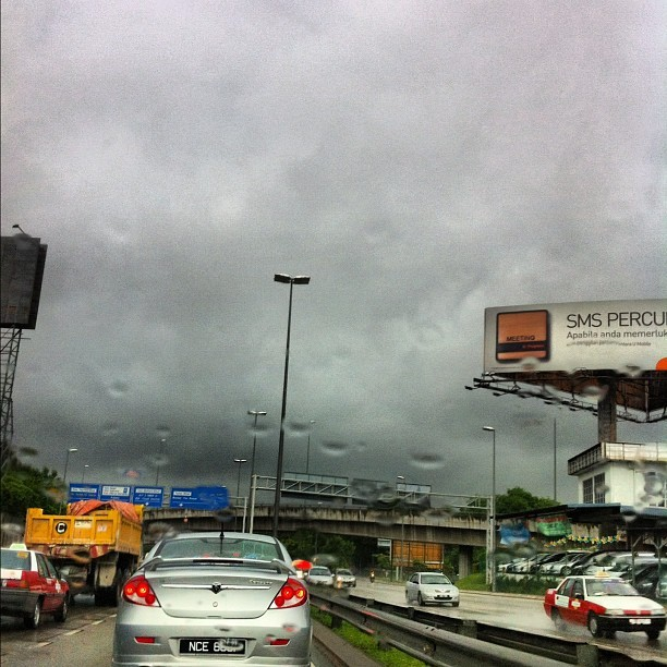 #Rainy day  (來自 instagram)