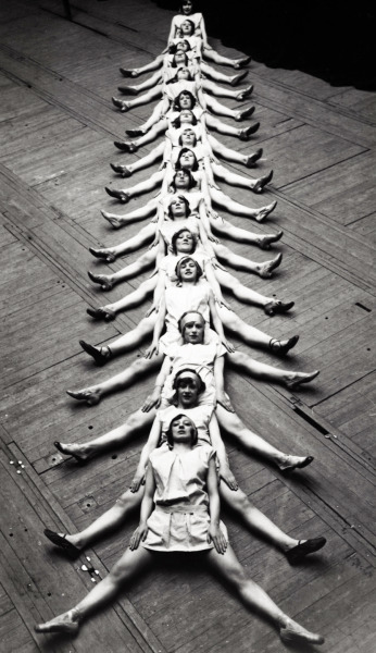 "vintagegal:  ""The Centipede"" performed by dancers in Brussels, 1929"