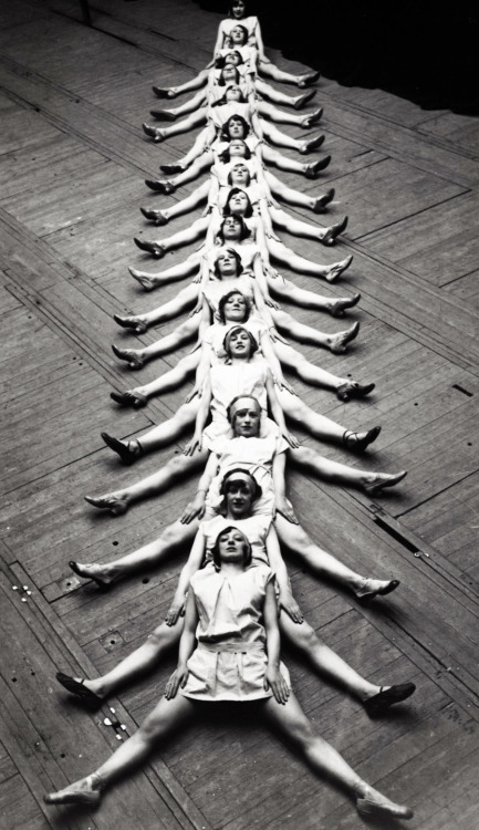 "blackandwtf:  1929 ""The Centipede"" performed by dancers in Brussels. (via vintagegal)"