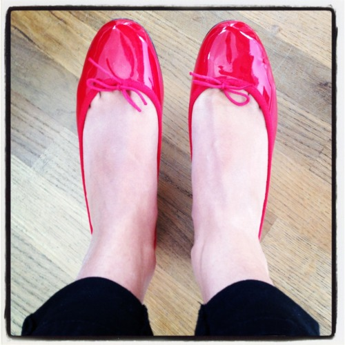 A Touch of Red The ballerinas are from Repetto and I wear them with absolutely everything. The thing with red accessories (or any bright colored ones for that matters) you shouldn't be shy or scared to associate them with other colors or prints… Of course some situations are clearly unauthorized, however by being too cautions to mix things up one might miss the actual potential of these colored accessories which not only brighten and spice up any neutral outfit but also bring an edginess to an already sophisticated look!