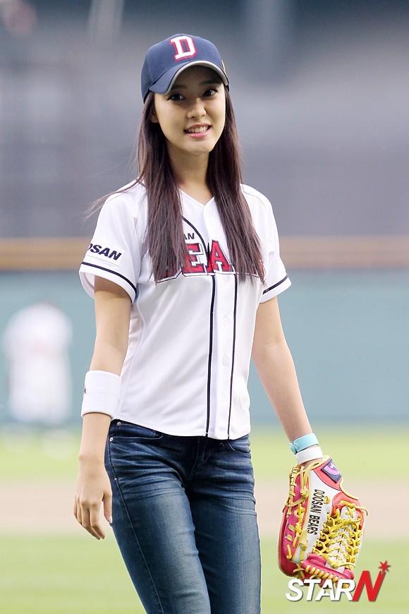 { 120530 } Woo Ri, Ji Sook @ Doosan Bears vs. KIA Tigers Tumblr_m4u162nRXf1r27owuo3_1280