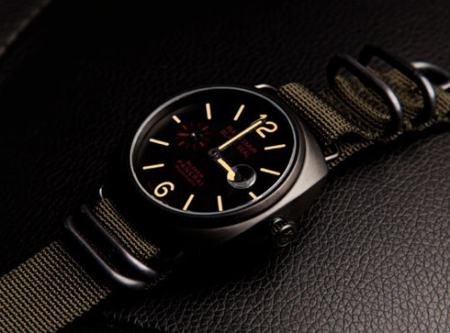 anchordivision:  Blaken PANERAI Verarena | Anchor Division  Last month I went to New York to see some family visiting from Norway. While in NYC i window shopped in this great antique/pawnshop. In their window display they had this amazing watch. I had previously seen it online and on Tumblr. But never it real life, it was such a weird experience, feeling that longing for a item i have no use for, no need for.