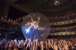 ©Harriet Stevens 2011 The Flaming Lips at the Palace Theatre (2011), shot for the 59th Sound.