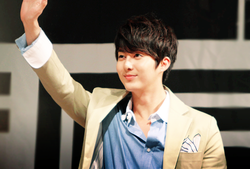 1/50 pictures of Hyungjun