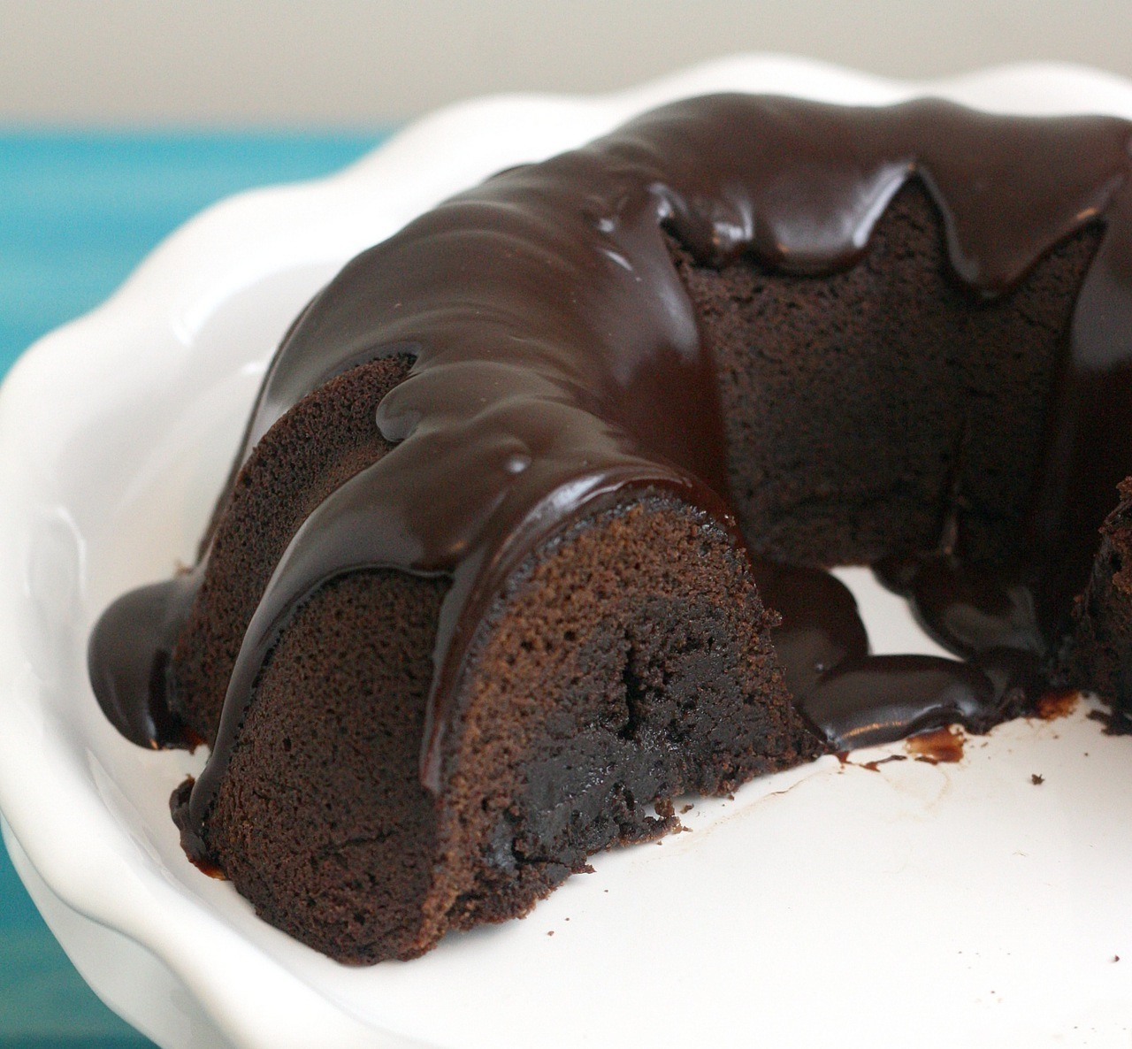 tunnel of fudge bunt cake