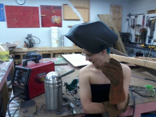 shockvalue-bestvalue:  Do you know how much it hurts to weld with a dress on?