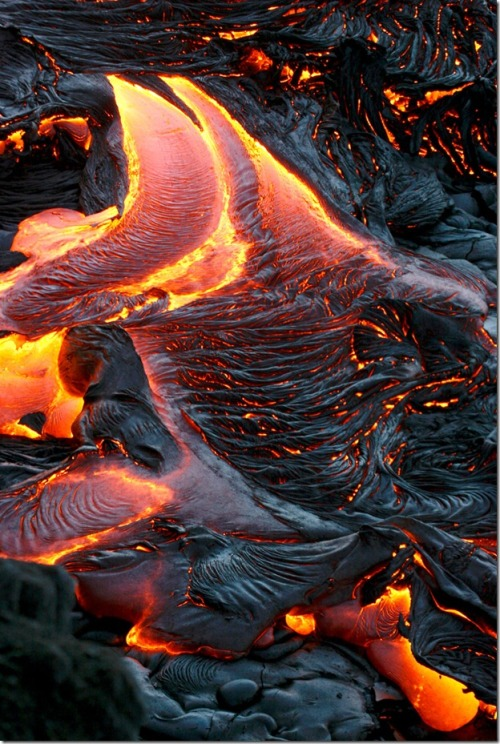 bilkul-minimum:  THE BEAUTY OF LAVA