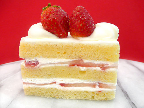 thecakebar:  Japanese Strawberry Shortcake