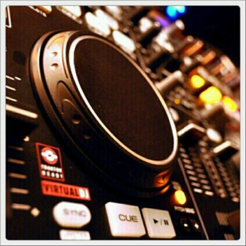 Denon DJ MC3000 (Taken with instagram)