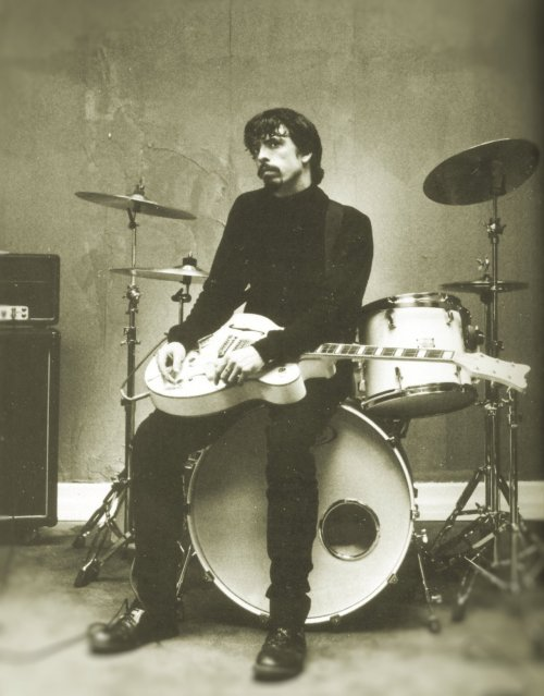 Dave Grohl, Monkey Wrench set, Ambassador Hotel, 1997. Source: This Is a Call: The Life and Times of Dave Grohl, by Paul Brannigan. Scanned/edited by me.