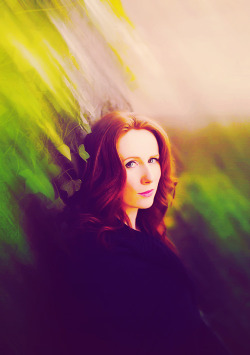 cheesybakeoven:   1/50 | Catherine Tate: Life Ruining Ginger Goddess  I must just interrupt Sylvester McCoy's face now. Because Catherine Tate.