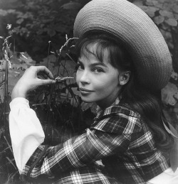 christopherniquet:  leslie caron as gigi (the vincente minnelli movie based on the colette novel) photographed by cecil beaton