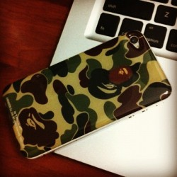#bape#iphone#gizmobies#instagood#idaily#igers#chilling#swag#cool (Taken with instagram)