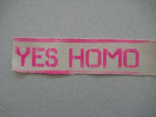 thoughtfoxes:  'Yes Homo' patch.(Etsy Jenny's Dead)