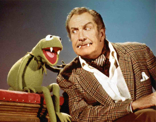 vintagegal:  Vincent Price on The Muppet Show, 1976  Forever reblog. Deal with it.