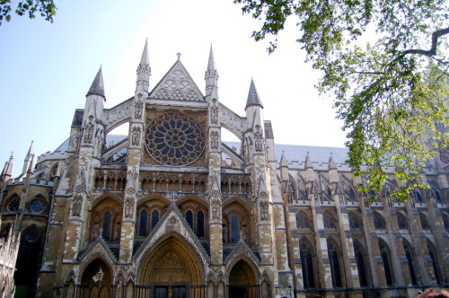 Westminster Abbey. Burial place of many great kings, queens, leaders, writers, and more. Shakespeare even has an impressive memorial here, although his body remains in his hometown not far off from London at Stratford-upon-Avon.