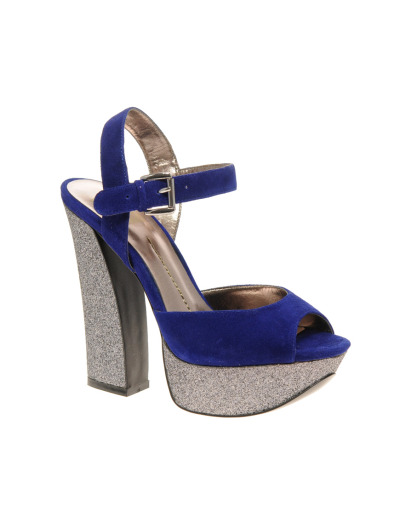 pilferattrib:  DV by Dolce Vita Lissie Platform Heeled SandalsMore photos & another fashion brands: bit.ly/JmFpxi