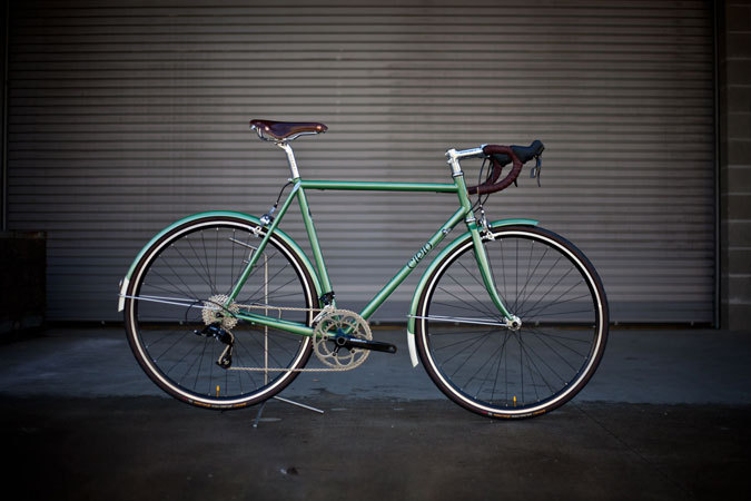 MINT CHOCOLATE CHIP. This bike reminds me of that ice cream flavor. Would love one.