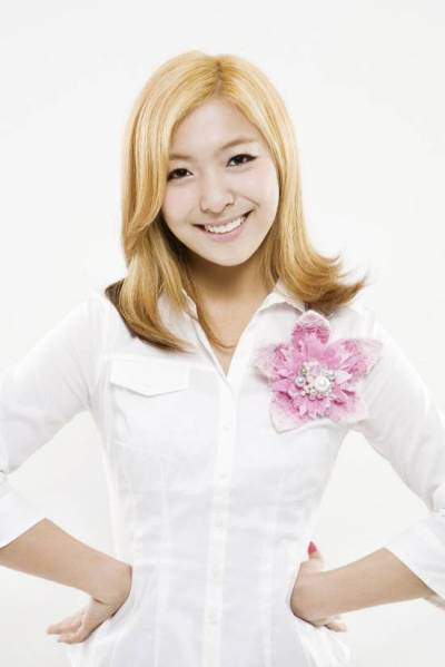 [VERIFIED] f(x)'s Luna => @Fx_PSunyoung welcome to this family and have fun hereeee~~!! ^^ ξ\(⌒.⌒)/ξ